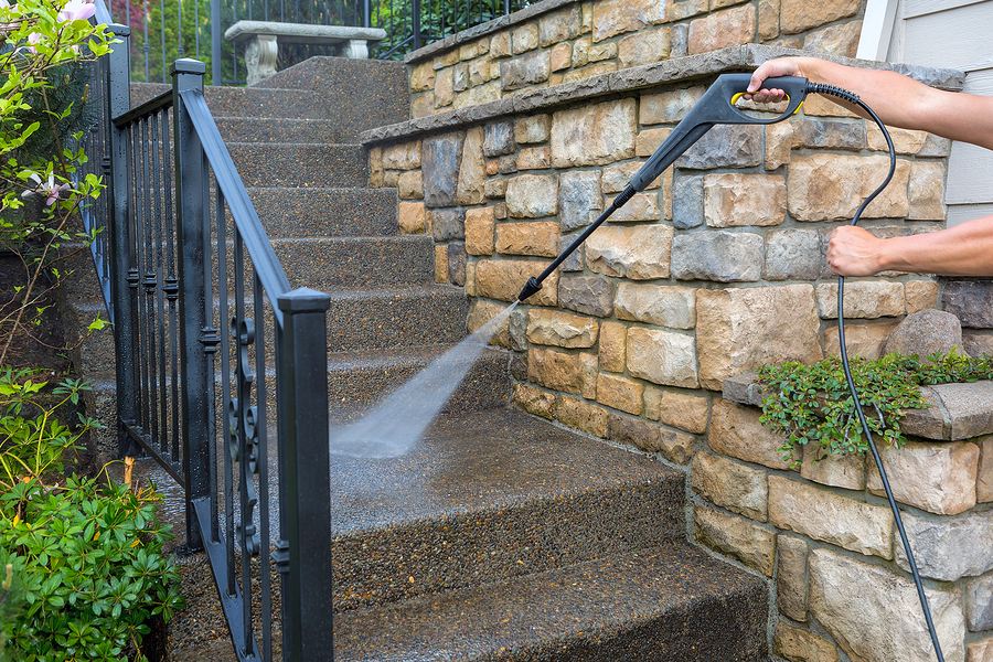 professional exterior cleaner power washing steps